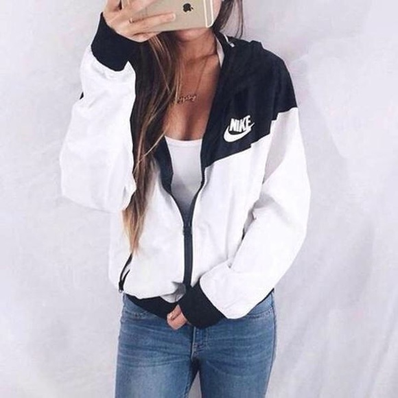 76d716f950 Black and White Nike WindBreaker New With Tags